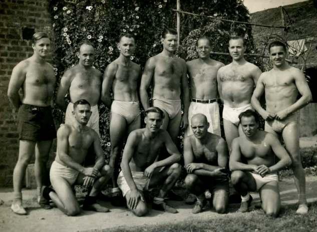Lutz Chicken und Gerhard Buelle in Dehradun 1941